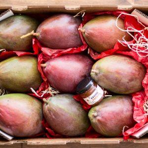caja de mangos con mermelada
