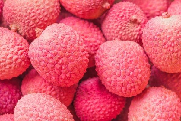 El litchi, una fruta pequeña con grandes propiedades nutricionales